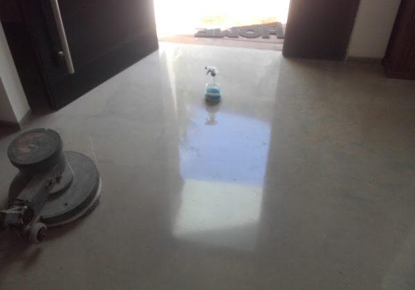 ניקיון רצפה לאחר פוליש קריסטל